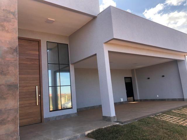 Belíssima Casa com 3 suítes - Cond. Estancia Quintas da Alvorada