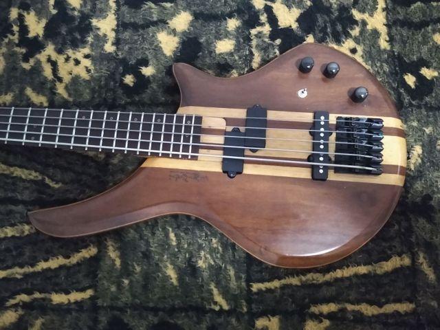 Baixo do luthier Wagner brito - Foto 3