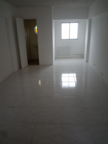 Ótima sala de 40 m2 com copa banheiro c/ box perto de tudo em São Gonçalo ! - Foto 2