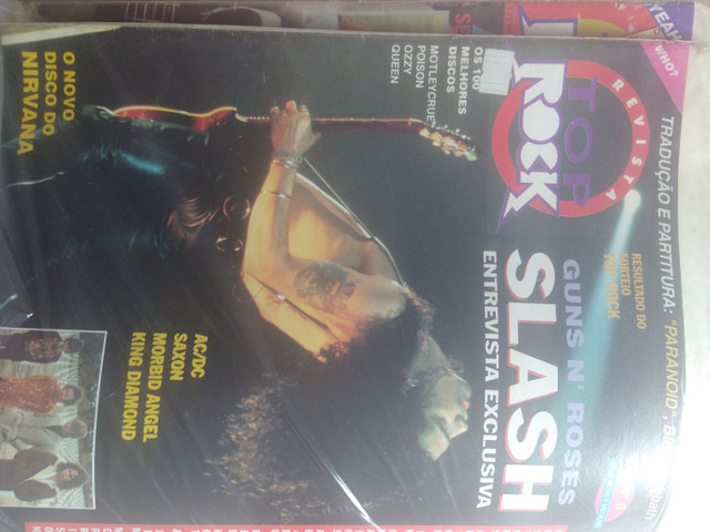 Vendo coleção de revistas, posters e recortes de jornal de Rock - Foto 3