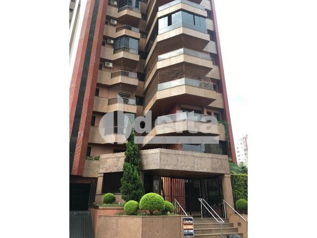 Apartamento para alugar com 3 dormitórios em Centro, Uberlandia cod:572064