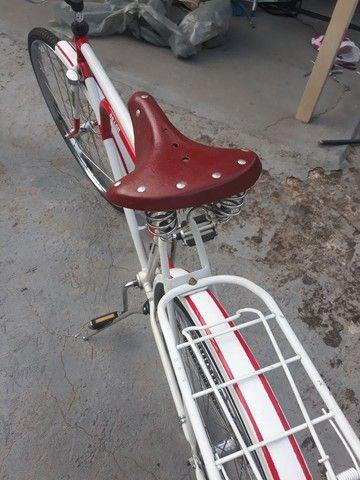 Vendo uma bicicleta antiga brasiliana Monark 1964 tudo novo   - Foto 4