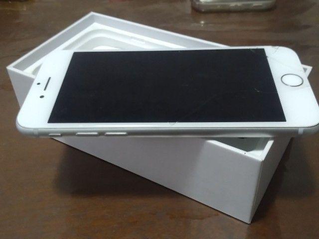 Iphone 8 64gb branco caixa e conector de carregador apenas  - Foto 5