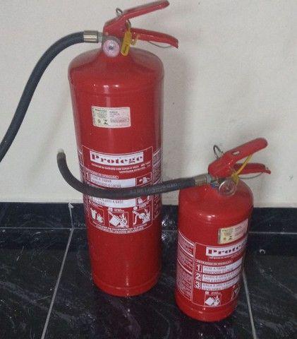 Extintores A e B novos falta Manutenção