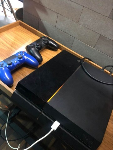 Playstation 4 500gb 2 controles