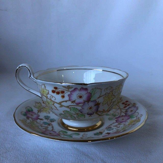Xícara de Porcelana com Pires Royal Starfford - Flores - Foto 3