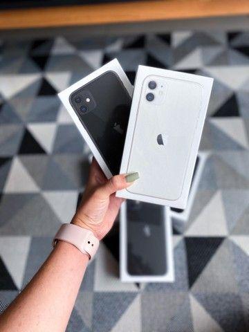 IPhone 11 64gb Preto/Branco