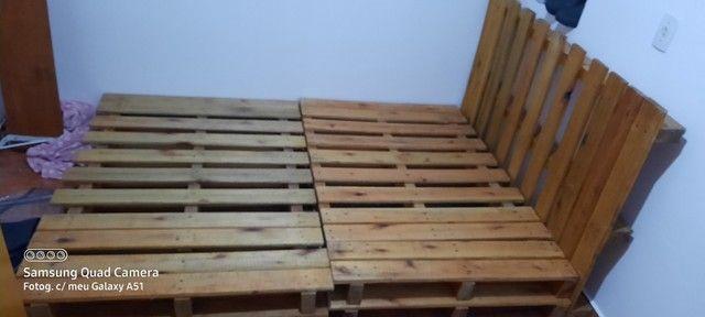 Cama de casal de pallets vernizado  - Foto 2