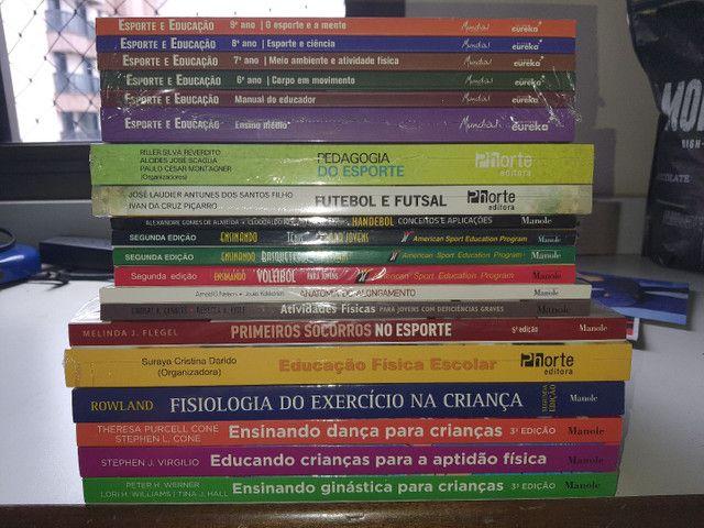 Livros para ensino superior de educação física na caixa lacrados