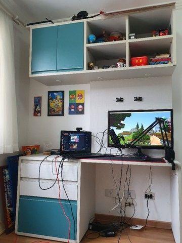 Escrivaninha infantil semi nova excelente  - Foto 2