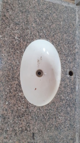 Pia e gabinete de banheiro - Foto 2