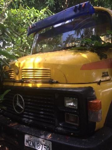 Caminhão Mercedes trucado
