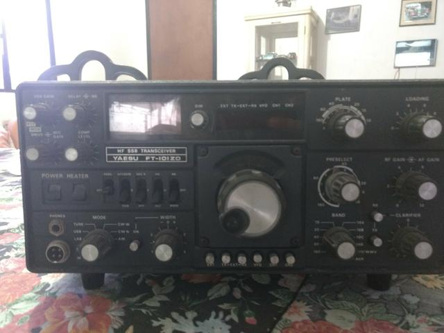 Radio yaesu