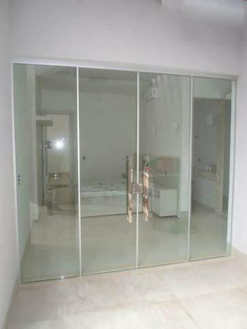 Montagem de vidros temperados e manutenção