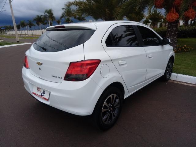 Chevrolet Onix LTZ 1.4 Manual Flex Branco 2015 - Foto 8