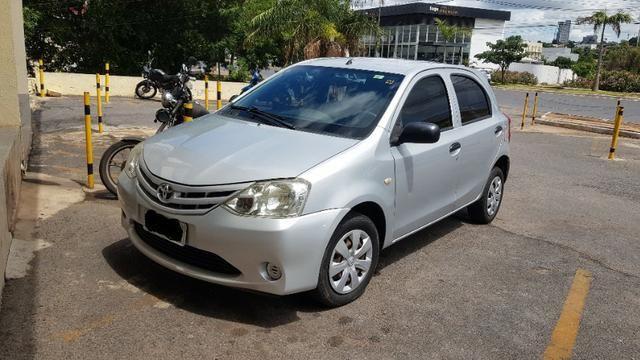 Toyota Etios X 1.3 2013