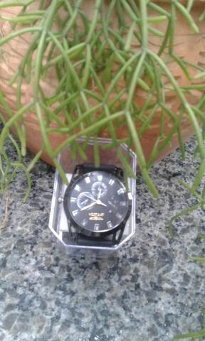 Vendo relógios masculino