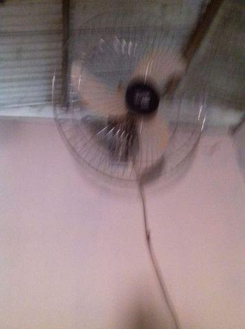Vendo ventilador turfão de parede semi novo - Foto 3