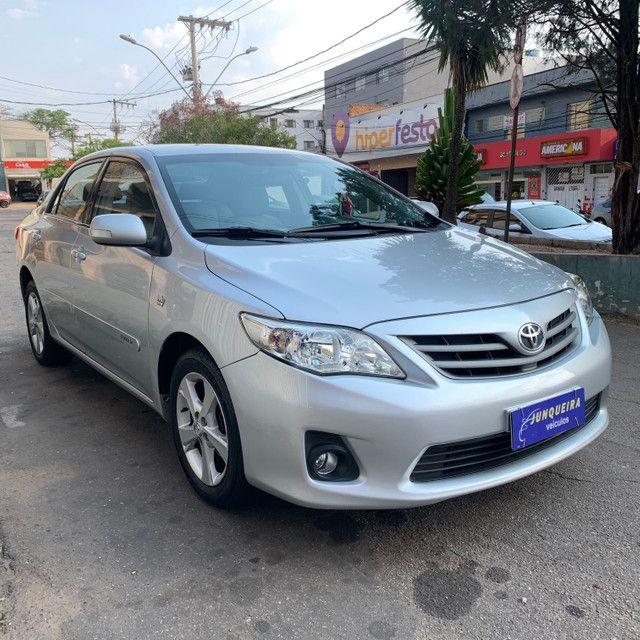 Toyota Corolla Xei 2.0 2013 Automático - Foto 3