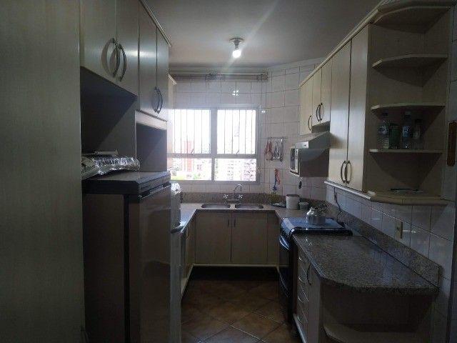 Centro.Rua José Anton/Incluso IPTU.Condomí.Água/Apartamento 3 quartos/Todos c.Armários - Foto 8