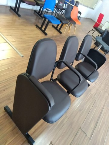 cadeiras longarina de igrejas - Foto 3