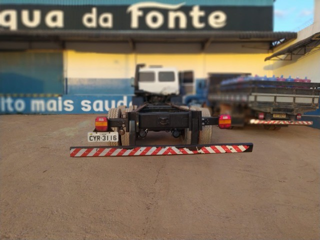 Ford Cargo 1421 - Ano/Mod.: 2001 - Foto 13