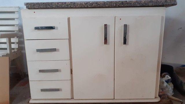 Pia e gabinete de banheiro - Foto 3