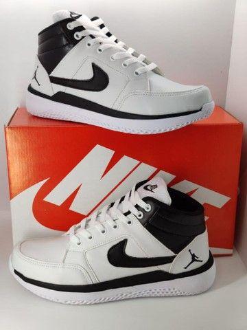 Tênis Nike botinha