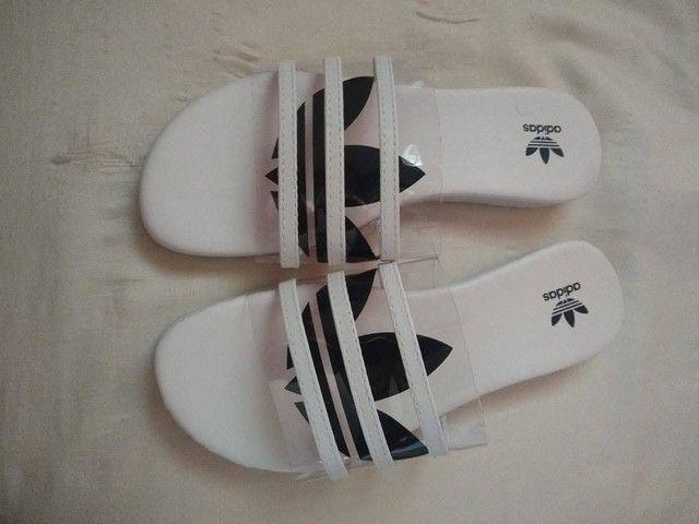 Vendo uma sandália rasteirinha Adidas - Foto 3