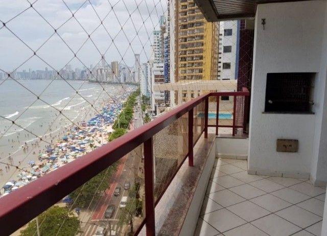 Oportunidade de Locação Anual, Apartamento Mobiliado, frente mar, 03 dormitórios (1suíte) - Foto 2