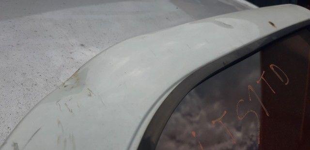 Porta traseira direita Siena 2012 com amassados  - Foto 2