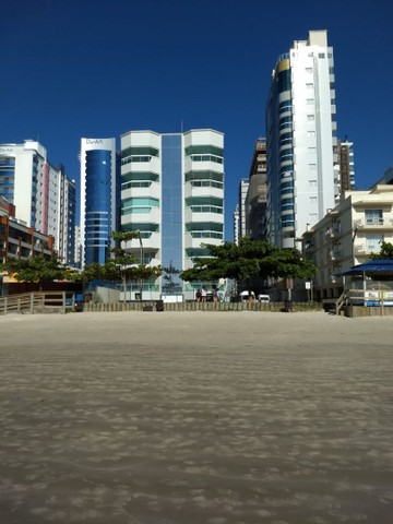 Apto Meia Praia prédio frente mar próximo shopping Russi - Foto 3