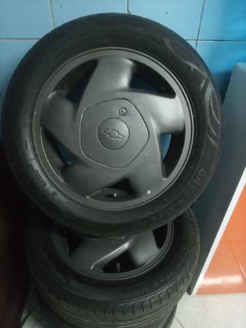 Rodas 14 com pneus 185/55/14
