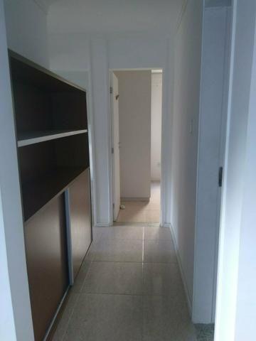 Apartamento térreo em Buraquinho - Foto 4