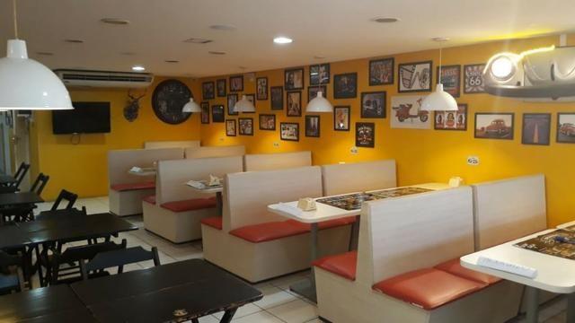 Pizzaria e hamburgueria temática com estrutura e cozinha impecável - Foto 4