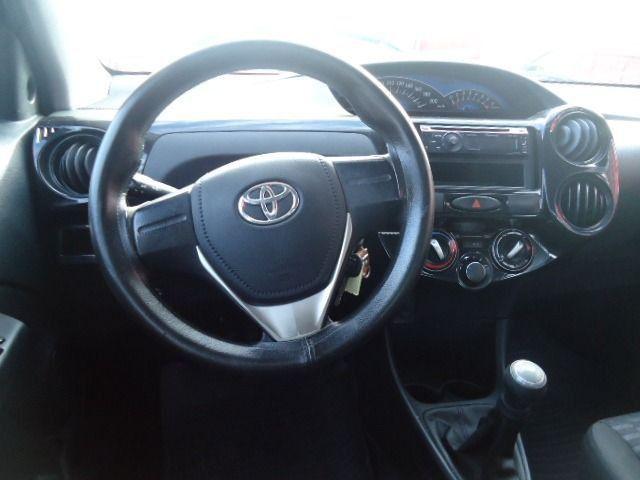 Toyota - Etios Sedan 1.5 X + GNV - Foto 3