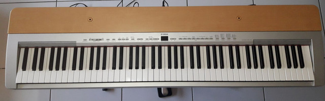 Piano Eletrônico Yamaha P-140