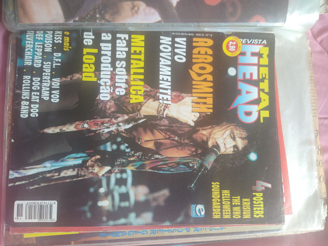 Vendo coleção de revistas, posters e recortes de jornal de Rock - Foto 4