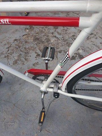Vendo uma bicicleta antiga brasiliana Monark 1964 tudo novo   - Foto 3