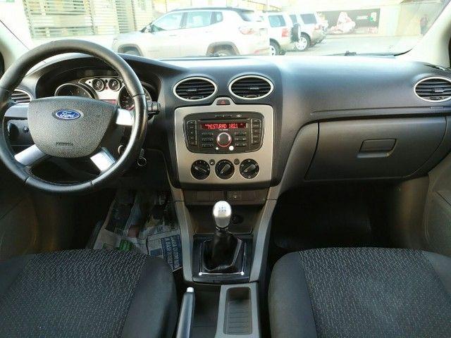 Ford Focus 1.6 Hatch 2011  - Foto 14