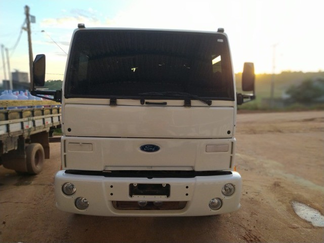 Ford Cargo 1421 - Ano/Mod.: 2001 - Foto 10