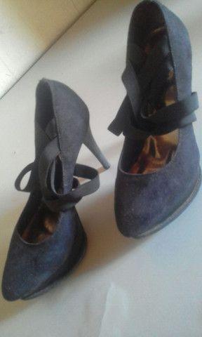 Vende-se 4 sapatos, usados em bom estado. - Foto 2