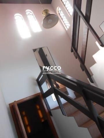 Casa, 04 dormitórios sendo 02 suítes com closet, 258m² privativos, amplo living com lareir - Foto 4