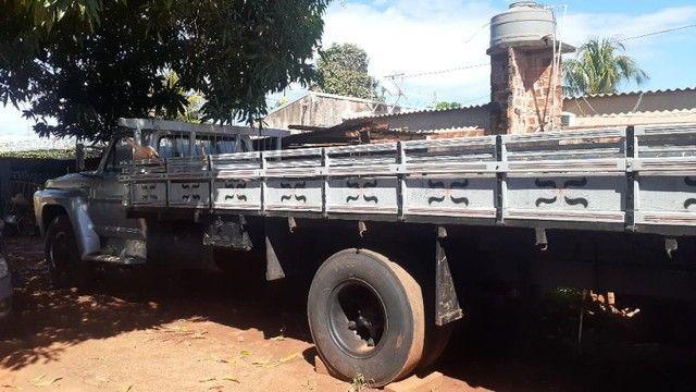 *Vendo caminhão* F11000 Carroceria - Foto 2