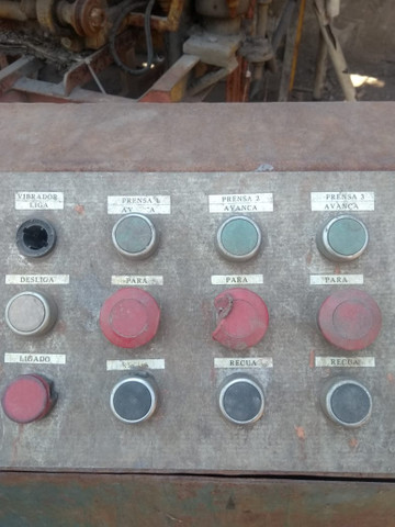 Máquina para produção de blocos para construção civil - Foto 2