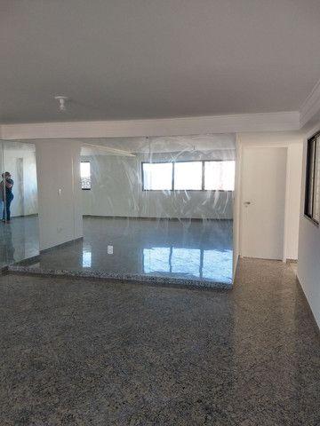 alugo apartamento em boa viagem com quatro suítes - Foto 6