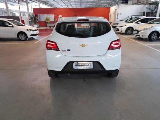 Chevrolet Onix 1.4 MPFI LT 8V FLEX 4P MANUAL - Foto 5