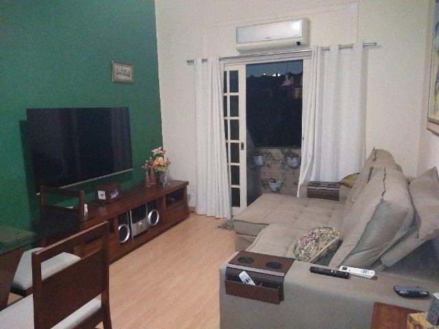 Apartamento com 3 quartos e varanda, no centro do Centro- próximo Barcas e Plaza Shopping.