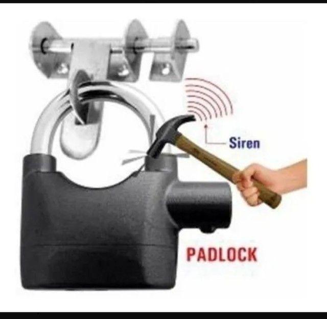 Cadeado de aço antifurto com alarme sonoro - Foto 4