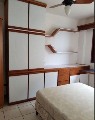 Oportunidade de Locação Anual, Apartamento Mobiliado, frente mar, 03 dormitórios (1suíte) - Foto 11